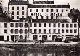 RPCP :  Audierne, Animée, Hôtel-Restaurant Du Goyen, Autocars, Bus, Autobus. Photo Of Old Postcard, 2 Scans - Automobiles