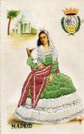 Carte Brodée     Costume De    MADRID - Costumes