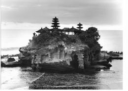 Photo Indonésie. Bali Pura. Le Temple De Tanah Lot Photo Vivant Univers - Plaatsen