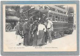PARIS VECU - Attente Au Tramway - Lots, Séries, Collections