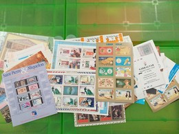 LOT N° E 145   MONDE   Un Lot De 150 Blocs Feuillets Neufs ** - Briefmarken