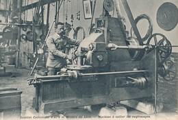 Lille ICAM Machine à Tailler Les Engrenages état Neuf - Lille