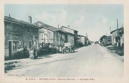 MOESLAINS - LA GRANDE RUE DU VILLAGE - BELLE CARTE SEPIA ANIMEE - EPICERIE - POMPE A ESSENCE - VEHICULE AUTOMOBILE - 2 S - Autres Communes
