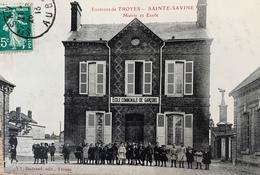 10 - SAINTE SAVINE - Mairie Et École - Autres Communes