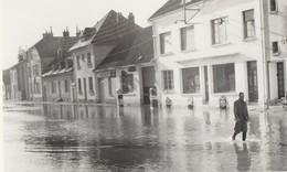 BAR SUR SEINE - LES INONDATIONS DU 16 JANVIER 1955 - LA RUE PRINCIPALE SUBMERGEE - BELLE CARTE PHOTO - PETITE ANIMATION - Bar-sur-Seine