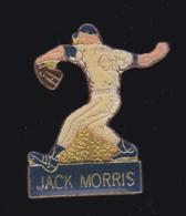 61655-pin's-John Scott Morris Est Un Lanceur Droitier De Baseball - Baseball