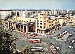 Bucuresti - Garo De Nord - La Gare Du Nord (animation, Bus Coaches Oldtimer) - Roumanie
