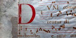 PAGE D'ANTIPHONAIRE 1600/1700 AYANT SERVI DE RELIURE  NOTES PORTEES ET LETTRINES DOCUMENT  AUTHENTIQUE  18' - Manuscripts