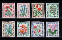 Serie Fleurs YV 95 à 102 Complete N** - Taxes