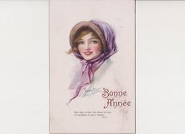 Cpa Fantaisie Signée Marjorie Mostyn / Jeune Femme Avec Chapeau / Bonne Année - Illustratori & Fotografie