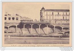 33) Soulac Sur Mer.-  Sur La  Côte D´ Argent -  Le  Ponton Et  Les  Hôtels - Soulac-sur-Mer