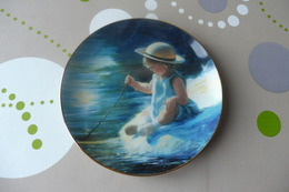 Z1 , BEAUTIFUL DECORATIVE PLATE , Painted By DANIEL ZOLAN , ONE SUMMER DAY - Céramiques