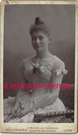 CDV Jolie Jeune Fille -photo Bellingard à Lyon - Anciennes (Av. 1900)