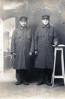 Carte  Photo De Deux Soldats Francais Du 2 éme Régiment D'infanterie Colonial  En 1915 - Guerre, Militaire