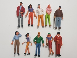 Lots 10 Personnages 1/43eme Pour Miniatures Dioramas 1/43eme - Figurines