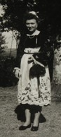 à Identifier Femme En Tenue Traditionnelle Coiffe Bretagne ? Normandie ? - Postcards