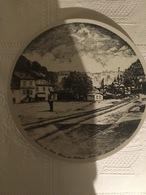 Assiette En Porcelaine De Villeroy & Boch (1984) : Audun Le Tiche, Place Château, Mine St Michel (260 X 25 Mm) - Piatti