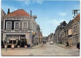 Cysoing. Rue Jean Baptiste Lebas.  Hotel Du Bras De Fer. Combi VW Volkswagen. Publicité Slavia.  . Edit Cim - France