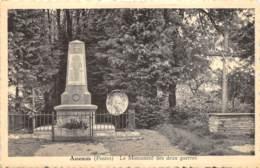 Assenois (Postes) - Le Monument Des Deux Guerres - Léglise