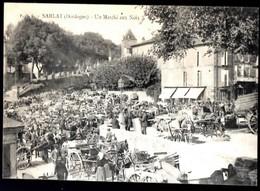 SARLAT - Un Marché Aux Noix - Sarlat La Caneda
