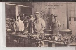 42 Roanne Preparation Du Repas Deutsche Gefangene Beim Zubereiten Der Mahlzeit Cuisine Cuisinier - Roanne