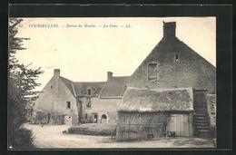 CPA Courseulles, Entree Du Moulin, La Cour - France
