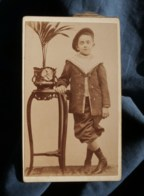 Photo CDV  Jeune Garçon  Costume De Marin Avec Un Bérêt  CA 1895 - L481H - Fotos