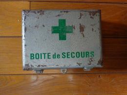 Coffret Metal Boite De Secours - Art Populaire