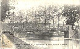 Carte POSTALE Ancienne De  COUVROT - Canal Latéral à La Marne - Autres Communes