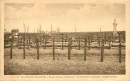 Militaria - Cimetiere Allemande De La Maison Blanche Sur La Route D'Arras à Souchez (62) - Guerre 1914-18