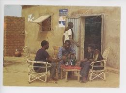 Afrique Burkina Faso : Au Café, La Bière Bravolta (Haute Volta) Carte Vierge, Portrait Homme - Burkina Faso