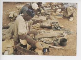 Afrique Burkina Faso :  Le Cordonnier (métier Artisant) Cp Vierge N°040 - Burkina Faso