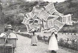 PORTUGAL MADERE Paysannes Descendant Des Chaises D'osier De Camacha à Funchal    Document Original Américain De 1934 - Vieux Papiers