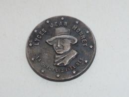 Pin's LYCEE JEAN MONNET, LA QUEUE LEZ YVELINES - Amministrazioni