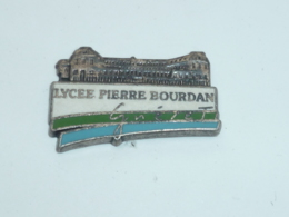 Pin's LYCEE PIERRE BOURDAN A GUERET - Administración