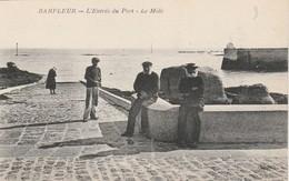 L' Entrée Du Port Le Môle - Barfleur