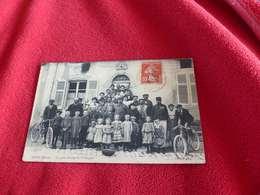 93 - Rare CPA , NICEY , Un Petit Groupe De Campagne Devant Le Débit De Tabac - Francia