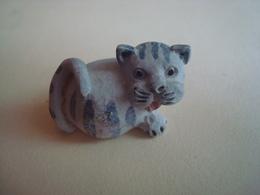 CHAT Petit En  Platre Longueur 2cm  Voir Nombreux Scannes état Impeccable - Katten