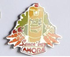 HH30 Pin's Sauce AMORA Carotte Tomate Navet Groupe Unilever Usine Dijon Cote D'or Et Appoigny Yonne Achat Immédiat - Alimentation