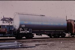 Photo Diapo Diapositive Slide Train Wagon Citerne SNCF VB Groupe Désherbage Chimique Des Voies Chamiers En 1973 VOIRZOOM - Dias