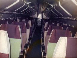 Photo Couleur Originale Perspective Et Intérieur D'Avion De Passagers Vers 1970 - Aviazione