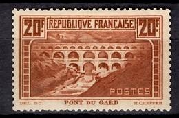 France Pont Du Gard YT N° 262 Neuf *. Signé Miro Et Roumet. TB. A Saisir! - Francia