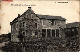 CPA Chasselas Ecoles Et Mairie FRANCE (953480) - Otros Municipios