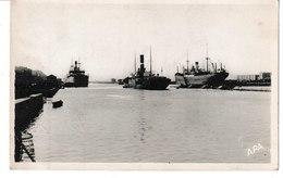 Aude  LA NOUVELLE Vapeurs Dans Le Port - Port La Nouvelle