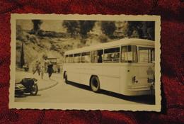 Photo Monte Carlo 1955 Autobus Car Compagnie Des Autobus De Monaco Side Car Sur La Gauche Tabac Au Fond - Auto's