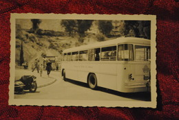 Photo Monte Carlo 1955 Autobus Car Compagnie Des Autobus De Monaco Side Car Sur La Gauche Tabac Au Fond - Automobiles
