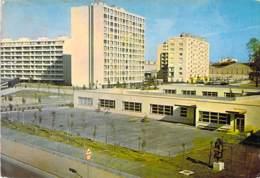 93 -  SAINT DENIS : Les Immeubles ( HLM Cité )  CPSM Grand Format - Seine St Denis - Saint Denis