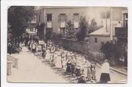 CARTE PHOTO 53 ANDOUILLE Fête Et Procession Datée Du 5 Juillet 1917 Num 1 - Autres Communes