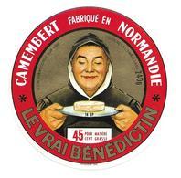 ETIQUETTE De FROMAGE..CAMEMBERT Fabriqué En NORMANDIE ( Calvados 14-BP)..Le Vrai Bénédictin..ULN à CONDE Sur VIRE (50) - Cheese