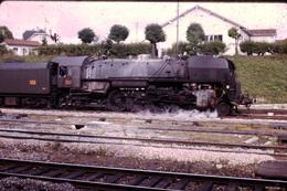 Photo Diapo Diapositive Slide Train Loco Wagon Locomotive à Vapeur 141 R à Montargis Le 25/09/1971 VOIR ZOOM - Dias